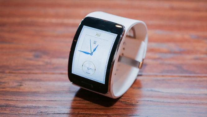 белые часы gear s