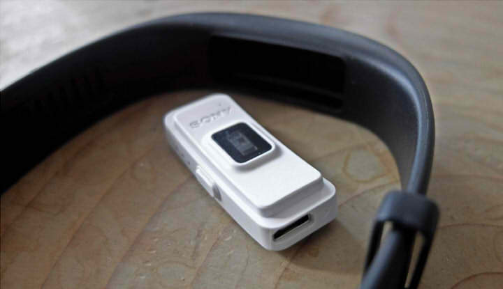 sony smartband 2 обзор