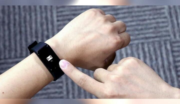 MGCOOL выпустил смарт браслет Band 3 с датчиком пульса и сенсорным экраном