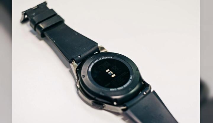 Умные часы Samsung Gear S4 - новое поколение смартчасов для молодежи