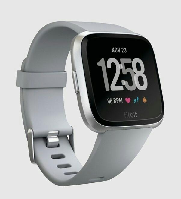 Fitbit - серые часы