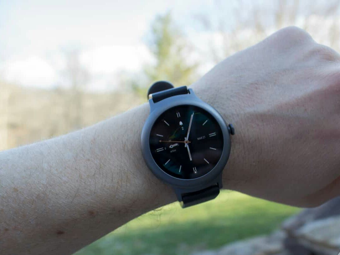 LG Watch Style спереди