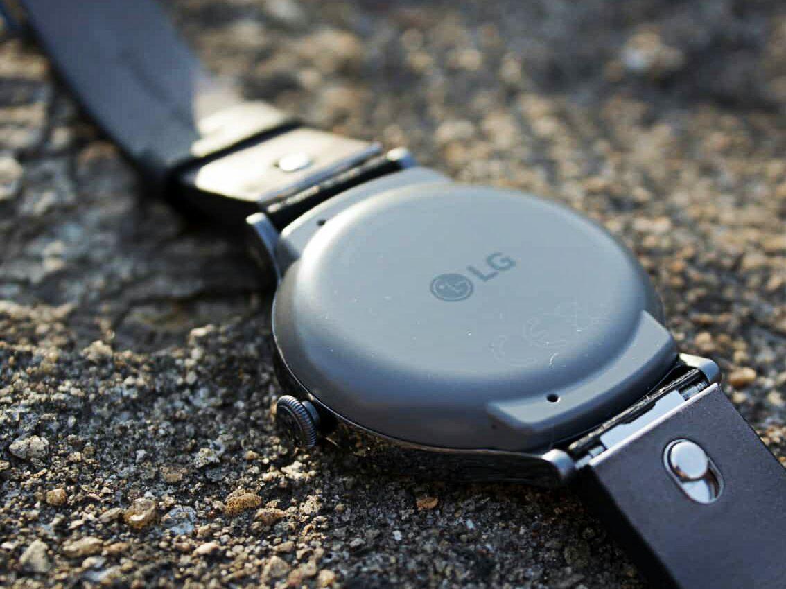 LG Watch Style сзади