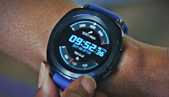 Samsung запатентовал гибридные смартчасы с полупрозрачным дисплеем