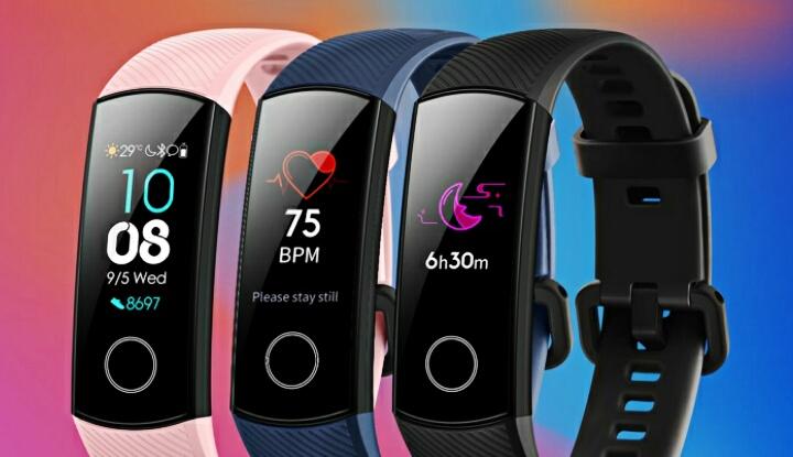 Официальное фото фитнес-браслета Honor Band 5 с кислородным сенсором