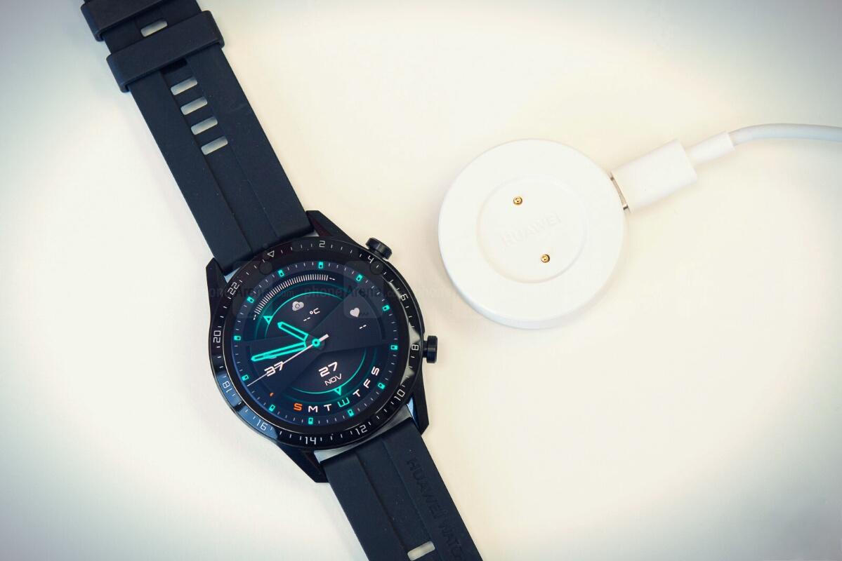 Huawei Watch GT 2 и зарядка