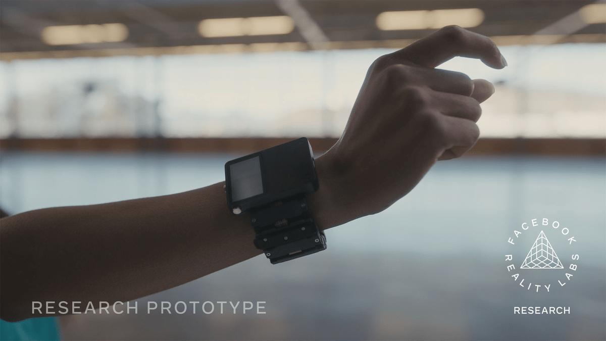 Прототип часов Facebook